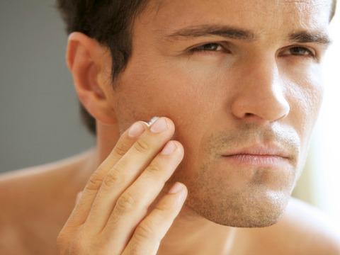Δέρμα: Τι πρέπει να ξέρουν οι άνδρες για τη φροντίδα του;
