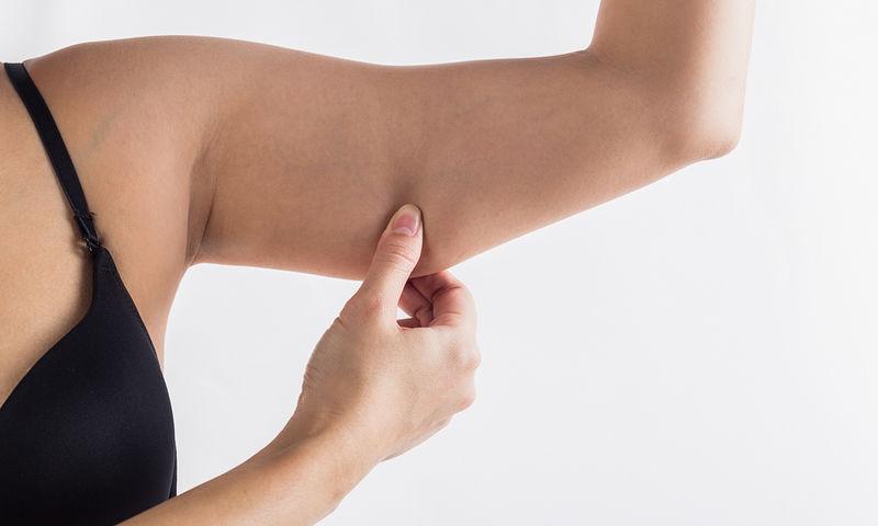 Λίπος στα μπράτσα: Δείτε τι να κάνετε για να το μειώσετε