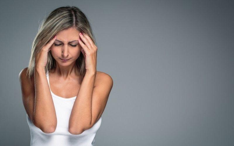 Μούδιασμα στο πρόσωπο: Πότε είναι σύμπτωμα «κρυφής» πάθησης;