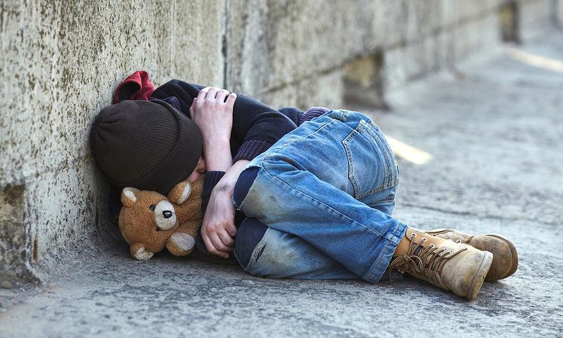 Αποκάλυψη-σοκ από τη UNICEF: Ένα στα δυο Ελληνόπουλα ζει κάτω από το όριο της φτώχειας!