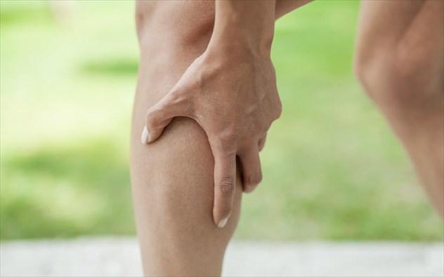 Πόνος στη γάμπα: Ποιες οι κυριότερες αιτίες;