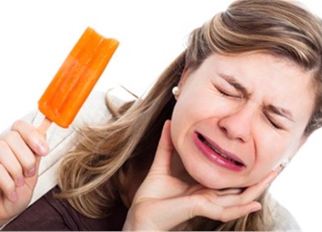 Brain freeze: Πως εκδηλώνεται ο «πονοκέφαλος του παγωτού»