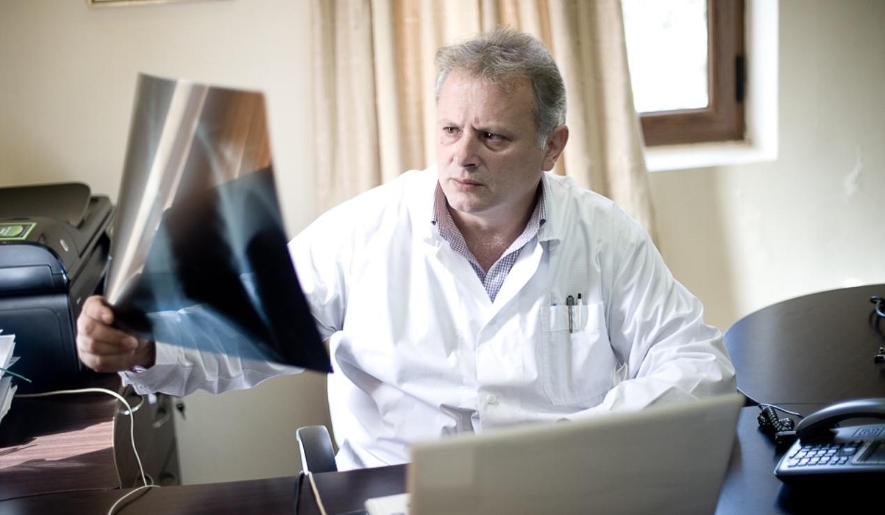 Πρόεδρος Γενικών Γιατρών: Παράνομες οι συμβάσεις του ΕΟΠΥΥ με γιατρούς χωρίς ειδικότητα! Τι θα κάνει ο κλάδος