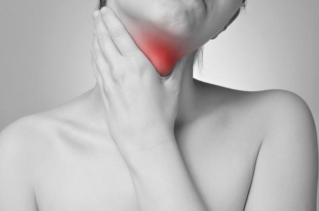Θυρεοειδίτιδα Χασιμότο: Τα συμπτώματα που πρέπει να σας κινητοποιήσουν