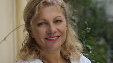 Δυσμηνόρροια: Τι την προκαλεί και πώς θα ανακουφιστείτε από τους πόνους