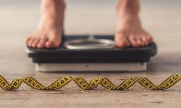 Απώλεια βάρους χωρίς δίαιτα: Ποιες σοβαρές παθήσεις μπορεί να κρύβει;