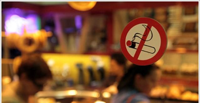 Αντικαπνιστικός νόμος: Έρχεται τετραψήφιο νούμερο καταγγελιών για τους παραβάτες