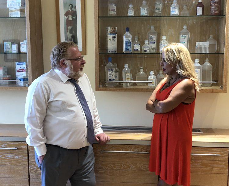 Ο Δ.Δέμος, αντιπρόεδρος της ΠΕΦ στο HealthReport.gr για τη νέα κυβέρνηση, τις πολιτικές ΣΥΡΙΖΑ, το clawback και τα γενόσημα!