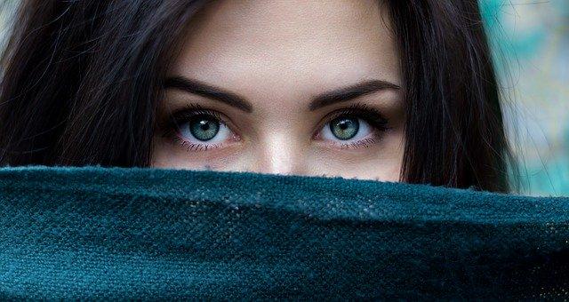 Κορoνοϊός: Πως να διατηρήσετε υγιή τα μάτια σας
