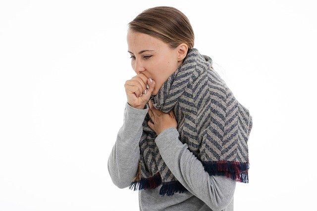Νυχτερινός βήχας: Πέντε απόλυτα φυσικοί τρόποι για άμεση ανακούφιση