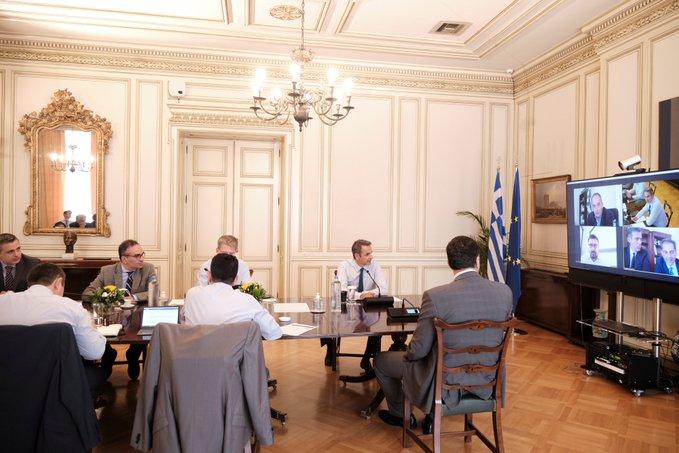 Σύσκεψη υπό τον Μητσοτάκη για τον τουρισμό: Έως τις 15 Ιουλίου η απαγόρευση των απευθείας πτήσεων από Βρετανία και Σουηδία