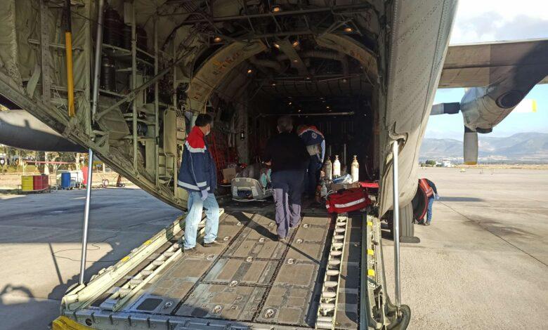 Κορονοϊός: Μπαράζ με αεροδιακομιδές ασθενών από το ΕΚΑΒ - Συγκλονιστικές φωτογραφίες