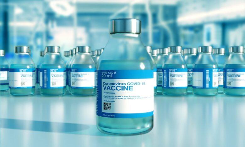 Ευρωπαϊκός Οργανισμός Φαρμάκων για εμβόλιο AstraZeneca: Πιθανή αλλά σπάνια η παρενέργεια θρόμβωσης