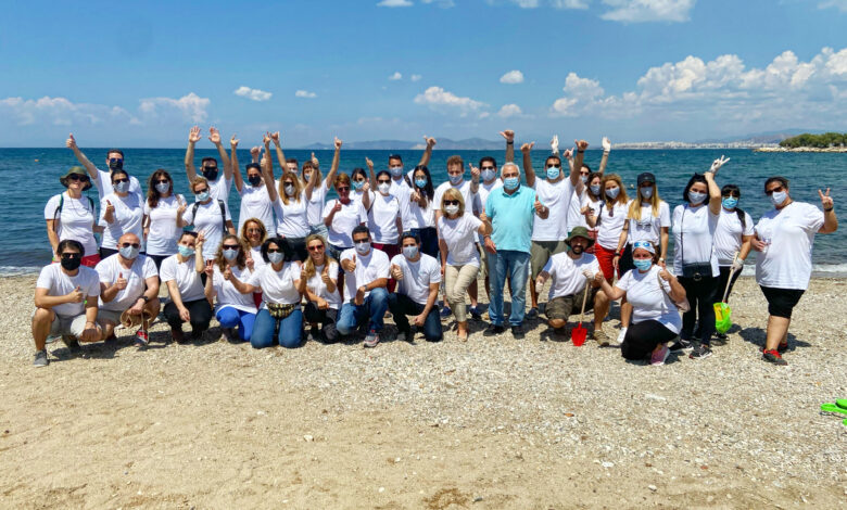 Εθελοντική δράση καθαρισμού της παραλίας του Αλίμου από την MSD