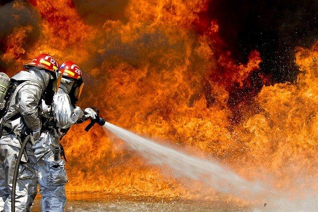 Φωτιές: Πώς θα προστατευθούμε από την ατμοσφαιρική ρύπανση – Νέες συστάσεις του υπουργείου Υγείας