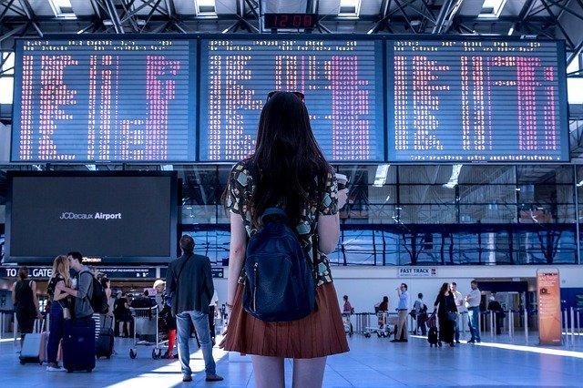 Θεοχάρης για τουρισμό: Κανένα τεστ & καμία καραντίνα για τους τουρίστες